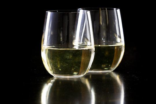 stemless white wine glasses