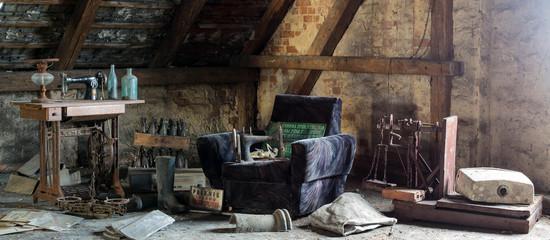 Obraz Starocie na strychu - fototapety do salonu