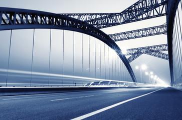 Foto auf Gartenposter Bridges the night of modern bridge