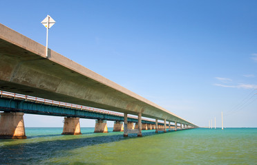 Bridges going to infinity. Seven mile bridge in Florida Keys