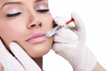 Beauty treatment with cosmetic lip injection