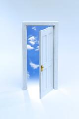 白いミニチュアの扉と青空