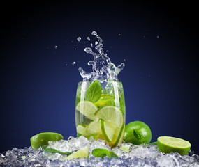 Printed kitchen splashbacks Splashing water Mojito drink with splash