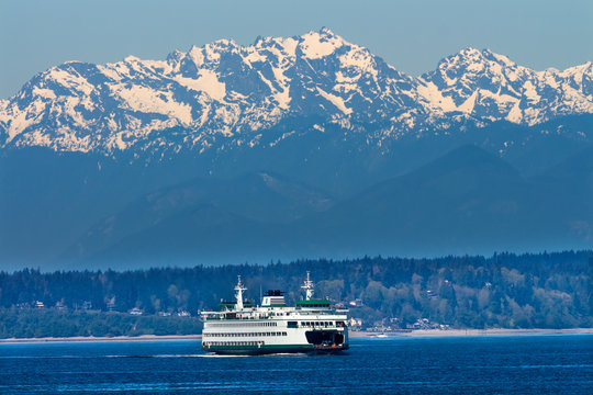 Seattle Bainbridge Island Ferry Puget Sound Olympic Mountains
