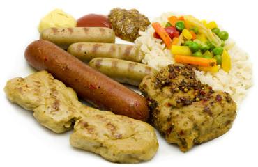 Grillteller mit Reis und Gemüse
