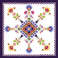 Kwiatowy wzór ludowy