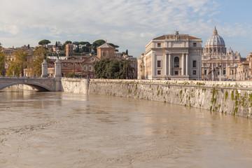 Roma, il Tevere e l'acqua alta