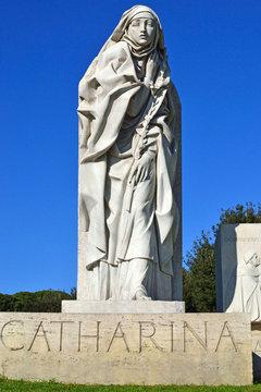 Roma - Piazza Pia - Monumento a Santa Caterina da Siena