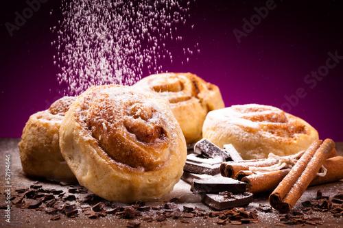 Рецепт сладких булочек с корицей