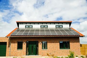 Einfamilienhaus mit Photovoltaikdach