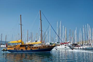 Goélette dans le port de Bodrum - Turquie