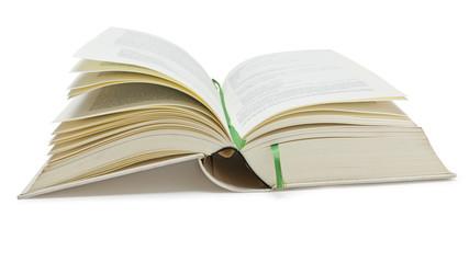 Alte Buch aufgeschlagen auf weißem Hintergrund