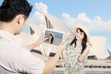 Couple take picture in Sydney Australia