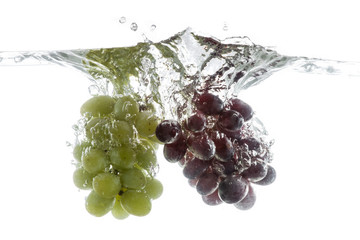 Deurstickers Opspattend water Wine grapes splash