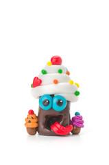 Handgemachte Knetfigur mit Süßigkeiten
