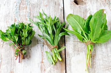 Fresh mint , tarragon , sage and spinach