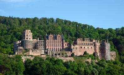 Heideberger Schloss mit blauem Himmel