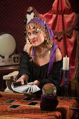 Pretty Roma Fortune Teller