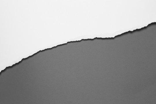 Papierabriss, diagonal, schattiert, grau