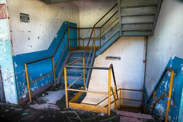 scale in edificio abbandonato