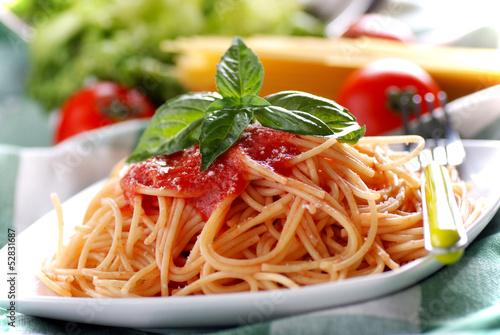 Как сделать спагетти с томатной пастой пошаговый рецепт