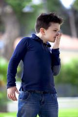 Bambino che odora