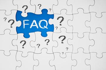 Puzzle in Blau mit FAQ