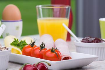 reichhaltige frühstücksauswahl