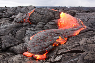 Fotobehang Vulkaan Lava flow in Hawaii