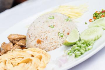Kao Cluk Ka Pi, Thai food