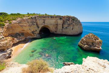 Wall Mural - Grotte und Klippen in Carvoeiro an der Algarve, Portugal