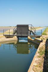Foto op Canvas Kanaal Irrigation canal