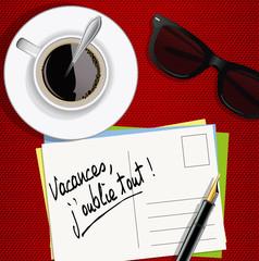Vacances - carte postale - écrire - message - lunettes de soleil - vue du dessus