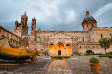 Fotorolgordijn Palermo The cathedral of Palermo, Sicily, Italy