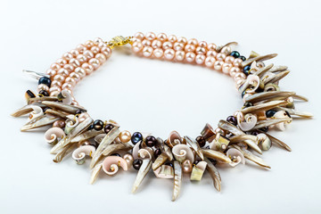 natural pearls and shells necklace