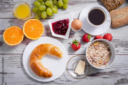 Gedeckter Frühstückstisch Von Oben