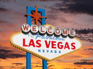 Foto auf AluDibond Las Vegas Welcome to Las Vegas Sign with Sunset Sky