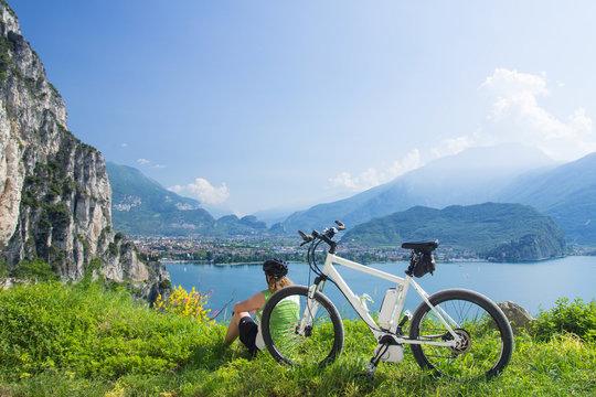 e-bike, pedelec, women, fahrrad, mountainbike, sommer