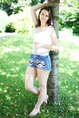 junge Frau im Park