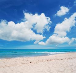 Platamona beach and clouds