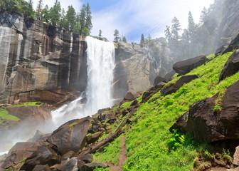 Wall Mural - Vernal Fall, Yosemite National Park