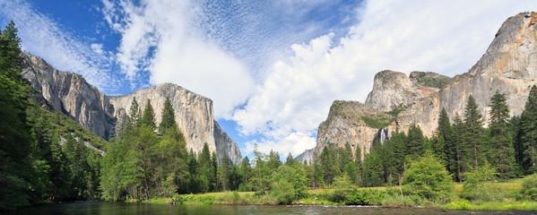 Wall Mural - Yosemite Valley