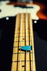 bass guitar mediator