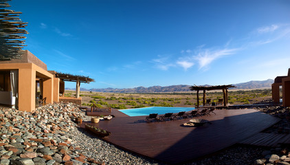 Beautiful swinging pool and mountains