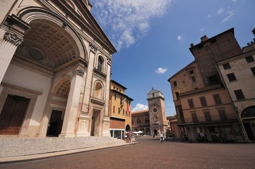 Mantova Piazza Mantegna Basilica di Sant' Andrea
