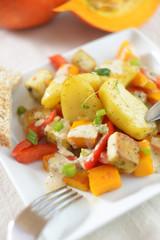 Kürbis-Tofu-Pfanne mit Kartoffeln