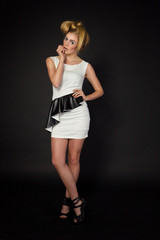 moda styl blondynka