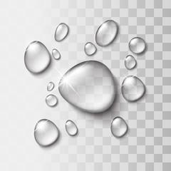 Przezroczysta kropla wody