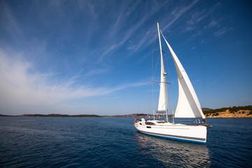 Fototapete - Boat competitor of sailing regatta