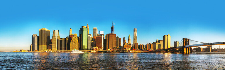 New York City cityscape with Brooklyn bridge